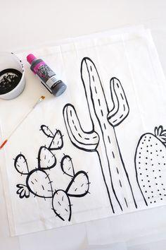 Cactus Outline Pillow DIY – a nice mess – Cactus Cactus Drawing, Cactus Painting, Cactus Craft, Cactus Decor, Cactus Outline, Mini Cactus, Diy Pillows, Decorative Pillows, Cushions