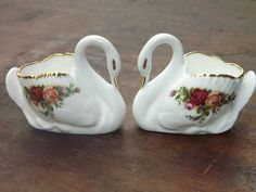 Royal Albert Old Country Roses PAIR of swan figure ornaments in Pottery, Porcelain & Glass, Porcelain/China, Royal Albert, Decorative/Ornamental Swan Pictures, Watercolor Pictures, Creative Pictures, Antique China, China Patterns, Royal Doulton, Royal Albert, China Porcelain, Country Rose