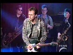 Colin James - Tin Pan Alley - Lac Leamy Casino- his green guitar matches my car!  Also saw him do a spontaneous performance at Ottawa Bluesfest.  Colin dated a coworker of mine when we lived in Vancouver!