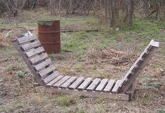 You want to build a outdoor firewood rack? Here is a some firewood storage and creative firewood rack ideas for outdoors. Outdoor Firewood Rack, Firewood Holder, Firewood Shed, Firewood Storage, Stacking Firewood, Wood Storage Rack, Diy Storage, Storage Ideas, Wood Fireplace