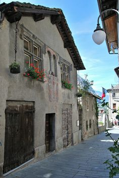 Borgo di Bard, Valle d'Aosta, Italy Italy Street, Old Street, Aosta Valley, Lake Como Italy, Italy Travel Tips, Ancient Ruins, Travel Around The World, Wonderful Places, Cool Places To Visit