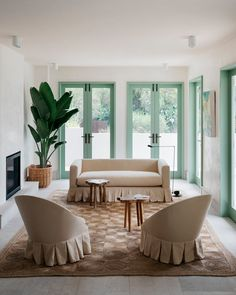 Residential — HANDELSMANN + KHAW Australian Interior Design, Interior Design Awards, Australian Homes, Living Room Grey, Home And Living, Cozy Living, Beachfront House, Mediterranean Style Homes, Home Projects