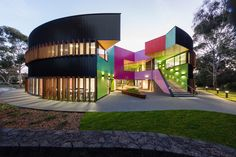 Circular school hides a kaleidoscope of color and geometry Ivanhoe Grammar Senior Years & Science Center by McBride Charles Ryan – Inhabitat - Green Design, Innovation, Architecture, Green Building Cultural Architecture, Architecture Bauhaus, Architecture Design, Australian Architecture, Architecture Awards, School Architecture, Contemporary Architecture, Contemporary Homes, Modern Homes