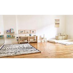 "✨Zoé✨ (@zoecoud) on Instagram: ""Sa petite chambre montessori #nursery #nurserydecor #montessori #montessoriathome #montessoriroom…"""