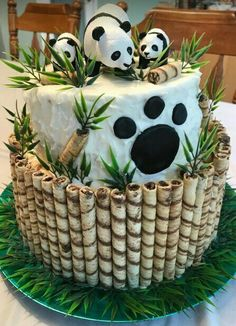 16 Ideas For Birthday Cake Ideas Fondant Baby Shower Panda Birthday Cake, Cool Birthday Cakes, Birthday Parties, Disney Birthday, Beautiful Cakes, Amazing Cakes, Bolo Panda, Panda Baby Showers, Panda Cakes