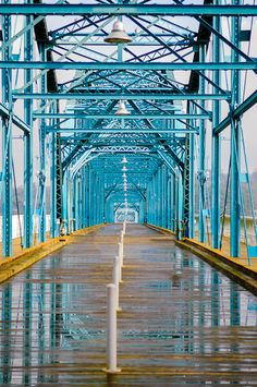 """Walnut Street 'walking bridge' in Chattanooga, TN  dorothy says, """"Awwww, great memories! I used to drive this bridge when I was in college. Then I took my children there to roller blade and walk when they were in middle and high school (: """""""