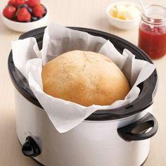 Miche de pain à la mijoteuse - 5 ingredients 15 minutes - New Ideas Crock Pot Slow Cooker, Slow Cooker Recipes, Crockpot Recipes, Baguette, Sandwiches, Pasta, Baking Recipes, Delish, Food Porn