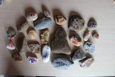 Bijbelverhaal: Jezus de kindervriend  Elke kleuter maakt zijn eigen steen.  Hiermee kunnen de kls het verhaal naspelen