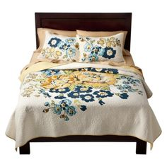 This is a great quilt set...only $90. Would be great for guest room, but already have set for the queen bed...where to use?