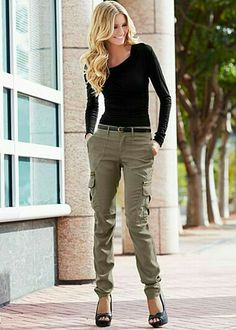 Women Cargo Pants Outfits Ways to Wear Cargo Pants Women cargo pants outfits. Women can Rock Cargo Pants. In the Cargo pants were a hit among ladies but in the recent days, we have seen women rocking cargo pants all over again. Cargo Pants Outfit, Cargo Pants Women, Pants For Women, Womens Skinny Cargo Pants, Women's Cargo Pants, Women's Pants, Jeans Women, Trousers, Fall Winter Outfits
