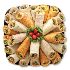 Wraps (wrapped tightly and secured) sliced into finger foods Catering Platters, Food Platters, Party Trays, Snacks Für Party, Cold Finger Foods, Sandwich Platter, Sandwich Buffet, Fingers Food, Mini Sandwiches