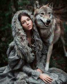 Animals are people just like us Wolf Photos, Wolf Pictures, Wolf Photography, Fantasy Photography, Beautiful Creatures, Animals Beautiful, Art Indien, Animals And Pets, Cute Animals