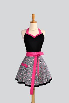 Womens Sweetheart Apron / Rosetto Floral Fabric in a Sexy Sweetheart of Black and Hot Pink. $36.00, via Etsy.