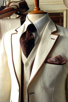 Awesome Men's ivory blazer piped in brown, contrasting knit vest, ivory shirt & brown tie w/ ivory polka dots. This is totally sophisticated. I want this blazer! Looks Style, Looks Cool, My Style, Daily Style, Mode Masculine, Sharp Dressed Man, Well Dressed Men, Estilo Gatsby, Grown Man