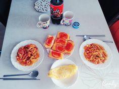 저의 식단입니다 :)  정말 간단하게 먹을수 있는 치즈 토마토 토스트사실은 술안주에서 보고 영감을 받아서 만들었어요 ㅎㅎ 파슬리파스타와 함께한 식단이에요, 매일 요리를 기대해요:) By. 이승우님