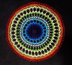 Centro de crochê colorido - fractal