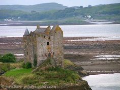 Pictures of Scotland - Highlands - Castle Stalker, Loch Linnhe