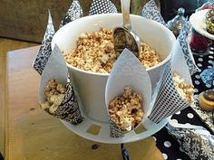 This is a great way to present popcorn at a party. A delicious and fun snack that everyone will enjoy!