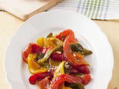 Paprika in Marinade ist ein Rezept mit frischen Zutaten aus der Kategorie Fruchtgemüse. Probieren Sie dieses und weitere Rezepte von EAT SMARTER!
