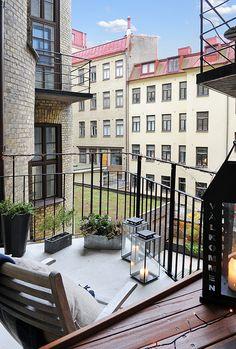 Balkony ***