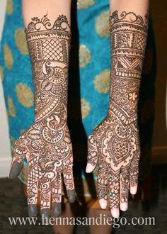 Mehndi Maharani Finalist: Henna SanDiego http://maharaniweddings.com/gallery/photo/27001