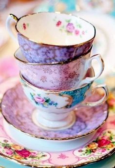 Beautiful vintage tea cups. They just make tea and cake so much better.