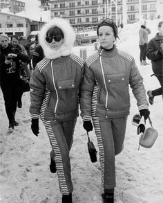 CHAMROUSSE - Audrey Hepburn JO 1968 : with Doris Brynner during the Winter Games in Chamrousse, on February 11, 1968. Audrey and Doris were wearing creations designed exclusively for them by Givenchy.