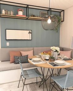 A dining room decor to make your guests feel envy! Grab the best dining room decor ideas to make your dining room design be the best when it comes to modern dining rooms designs. A best of when it comes to interior design ideas. Small Living, Home And Living, Living Room, Small Dining Rooms, Dining Nook, Dining Room Design, Nook Table, Design Kitchen, Dining Tables