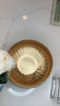 Diy Crafts For Home Decor, Diy Crafts To Sell, Deco Floral, Dollar Store Crafts, Do It Yourself Home, Home Interior Design, Floral Arrangements, Flower Arrangement, Diy Bedroom Decor