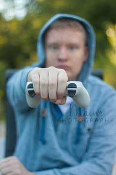Gamer Graduation Photography - Video Gamer Graduation Photography - Senior Picture Ideas - Senior Boy Graduation Pictures