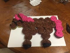 Your little ones will love this Horse Cupcake Cake and it will be the highlight of any party table. It's decorated with Chocolate Butter Cream and Vanilla Butter Cream for the white tail and mane. Black Liquorice is used for the eye, mouth and eyelashes. The recipe includes a FREE printable Template.