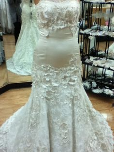 Watters Torreon wedding dress details