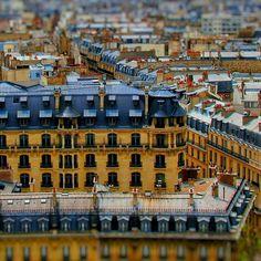 Vezi această fotografie Instagram de @justtgo  • 71 de aprecieri Tilt, Louvre, Paris, Instagram Posts, Travel, Montmartre Paris, Viajes, Paris France, Trips