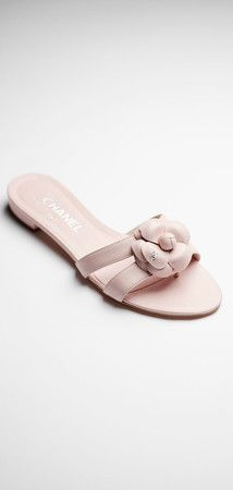 Lambskin sandals with a camellia
