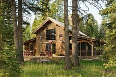 rustic cabin homes Barn House Kits, Barn House Plans, Barn Houses, Tiny Houses, Style At Home, Small House Swoon, Plan Chalet, Haus Am See, Small Barns