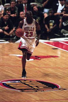 Michael Jordan Unc, Mike Jordan, Jeffrey Jordan, Jordan Bulls, Michael Jordan Basketball, Utah Jazz, Chicago Bulls, Kobe Lebron, Lebron James