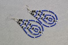the final look of this pair of blue beaded earrings