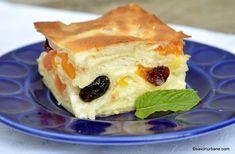 Prăjitură cu iaurt și fructe din compot sau congelate – cu foi subțiri de plăcintă