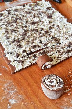Gabriella kalandjai a konyhában :): Túró rudi csiga Cookie Desserts, Cookie Recipes, Dessert Recipes, Different Cakes, Hungarian Recipes, Summer Desserts, Healthy Chicken Recipes, No Bake Cake, Love Food