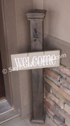 Sign/wreath holder