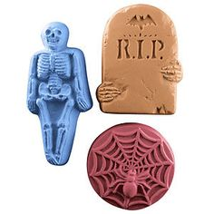 Milky Way Molds - Halloween 2 Soap Mold, $8.25 (http://www.milkywaymolds.com/halloween-2/)