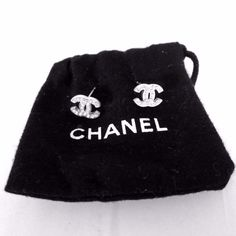 CHANEL Gorgeous Smal