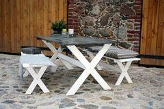PIHLA pöytä ja penkit