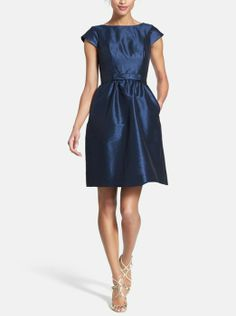 After 5 dress perfection. Love this classic woven fit flare dress. Available in 5+ colors.