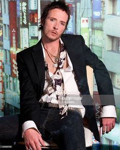 Singer Scott Weiland of Stone Temple Pilots and Velvet Revolver is photographed for Self Assignment on February 14, 2007 in Hollywood, California.