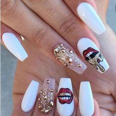 These nails just slayyy #nails #flawless #badandboujee #badaf #slay #cute #cutenails #nailgoals #fashion #style #oneofakind #beautiful http://www.butimag.com/fashion/post/1478695756625822877_4554195170/?code=BSFYfTIj0Sd