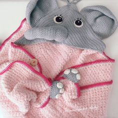 Newborn Baby Gifts, Baby Girl Gifts, Crochet Baby Poncho, Elephant Baby Blanket, Girls Poncho, Baby Changing Mat, Baby Accessoires, Baby Layette, Baby Presents