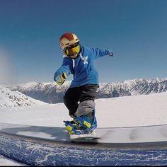 Vacaciones en @npyski @cauterets @hdtcrew @tricksnowboard #snow #snowboard #snowpark #freestyle #snowboarder #france #cauterets #adrenaline #instagood #instagram by izanmorales