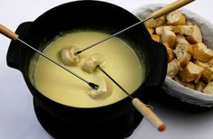 Cheddar and cider cheese fondue Cheese fondues are becoming popular again and it's surprising that this delicious recipe was forgotten for so long.  Enjoy this dish over a friendly supper or serve it as a hot party dip for something
