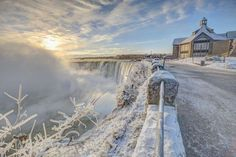 Sunrise over a freezing Horseshoe Falls, Niagara Falls, Ontario, Canada. - Ed Norton Photography/Getty Images